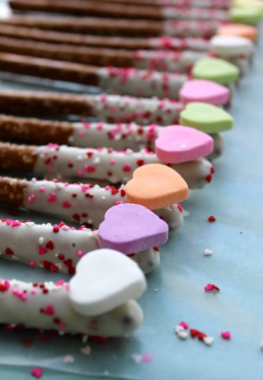 Cupid's Arrow Pretzel Rods
