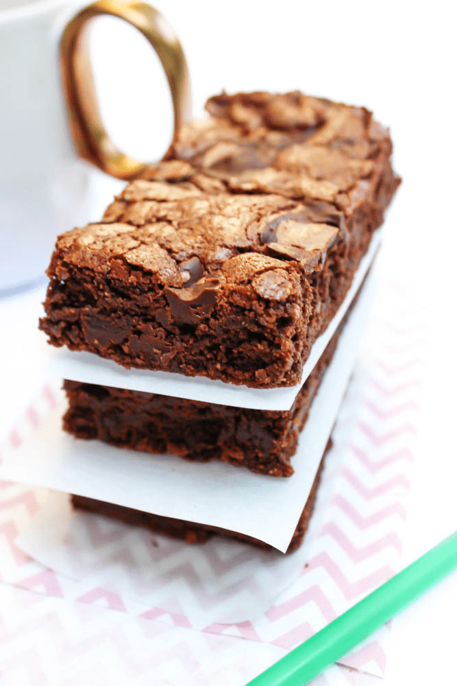 COPYCAT STARBUCKS DOUBLE CHOCOLATE BROWNIES these decadent brownies are rich, soft and chewy, tasting even better made at home.