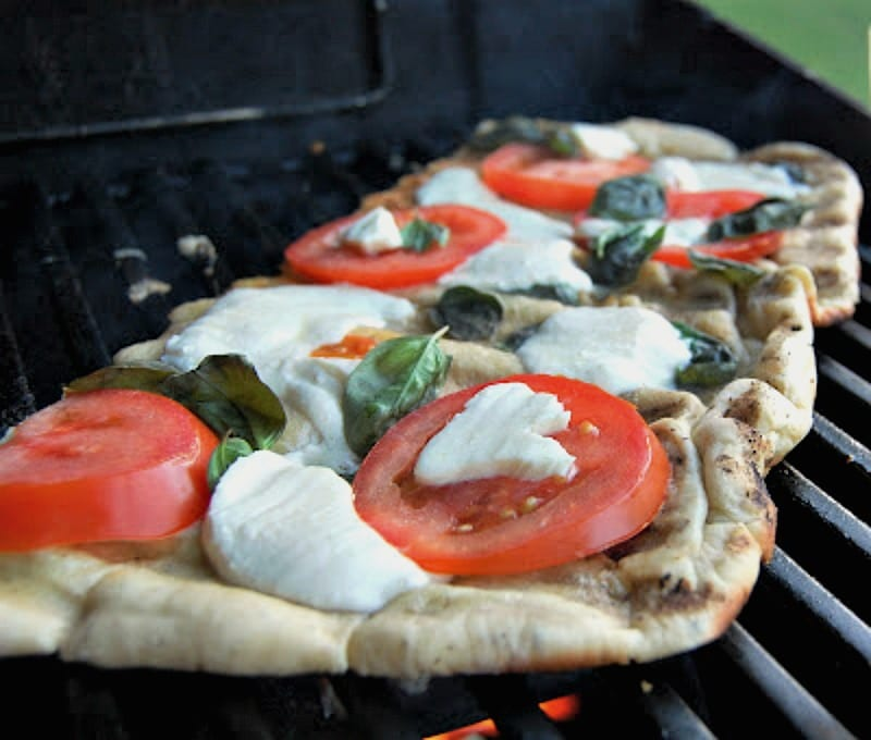 Grilled-Margherita-Pizza