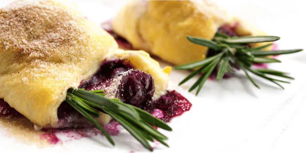 berries-brie-crescent-rolls-twitter