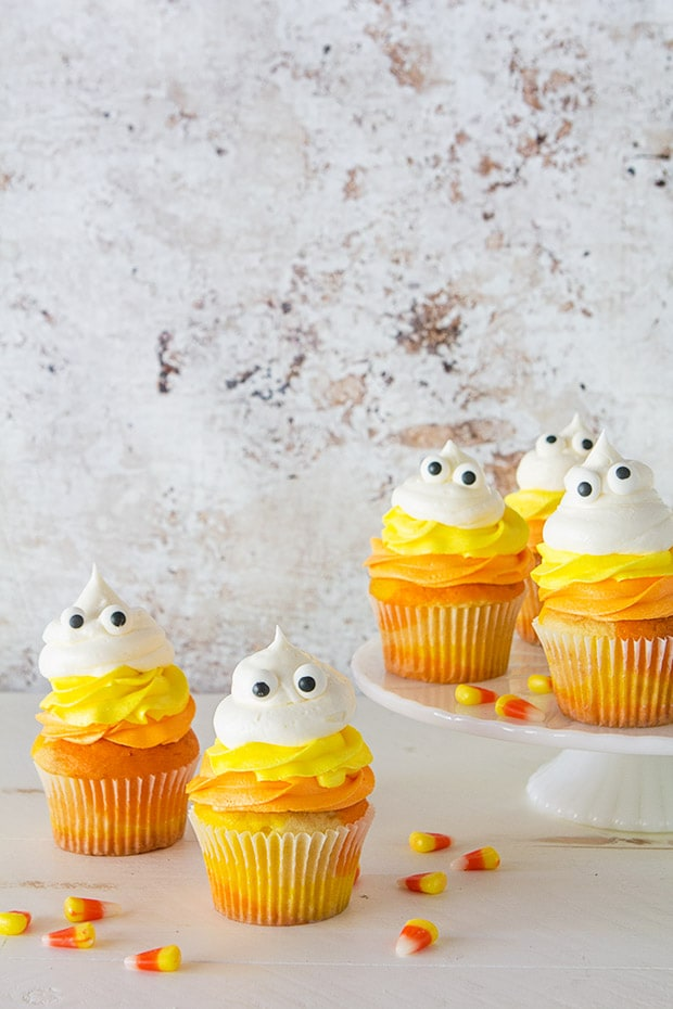 candy-corn-ghost-cupcakes-_-bakers-royale