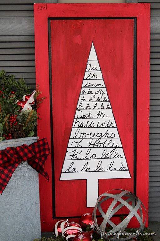 OUTDOOR CHRISTMAS DECORATING: SHARPIE ART TREE SIGN
