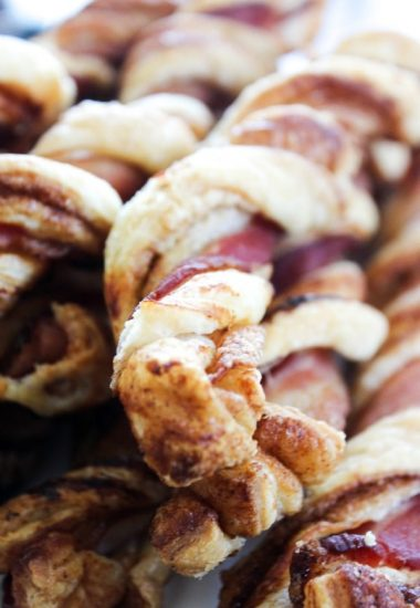 Crispy Bacon Cinnamon Roll Twists