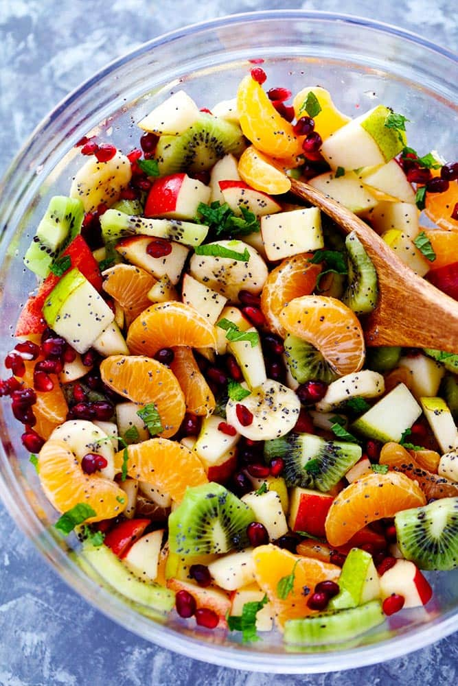 BEST WINTER FRUIT SALAD, oranges, kiwi, mint, kiwi, pomegranate seeds, apples