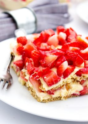 No Bake Strawberry Cheesecake Ice Box Cake