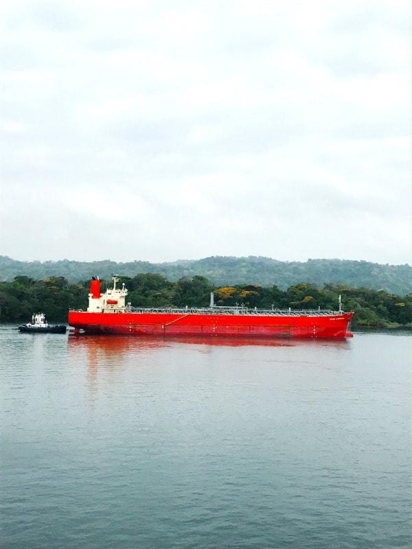 panama-barge