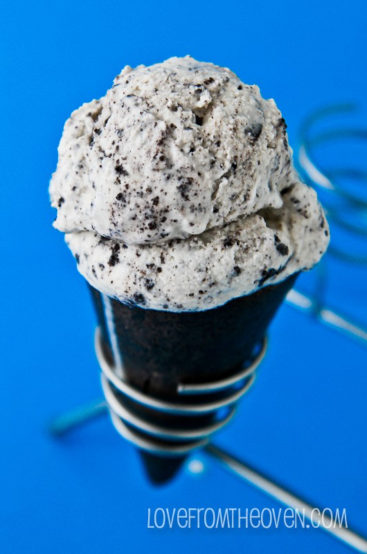 HOMEMADE COOKIES AND CREAM ICE CREAM