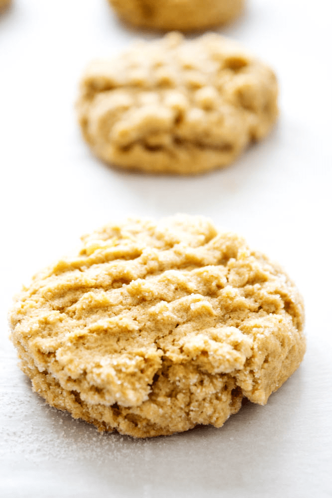 Chewy HEALTHY PEANUT BUTTER BANANA COOKIES are a twist on your peanut butter cookie recipe. Made with no butter and less sugar, they make a great snack!